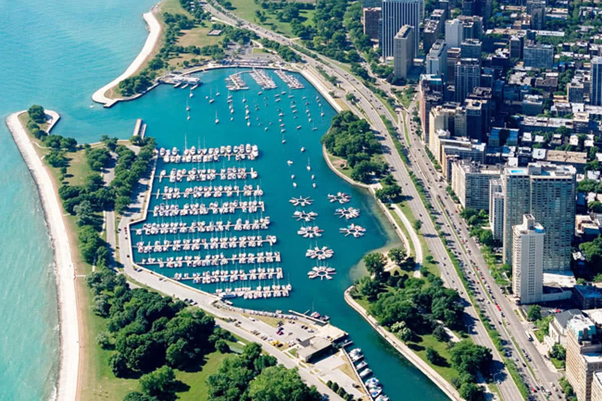 Belmont Harbor Welcome To Pinnacle Yachts