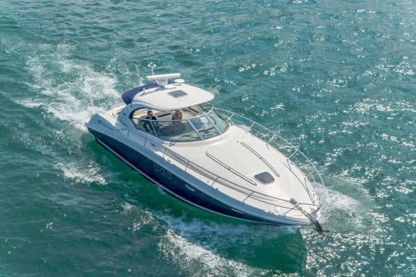 Pinnacle's Sea Ray Sundancer 380 Powerboat - WELCOME TO